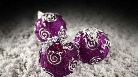 Purple Christmas Balls wallpapers high quality