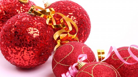 Red Christmas Balls wallpapers high quality