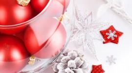 Red Christmas Balls Desktop Wallpaper