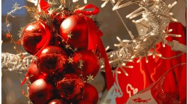 Red Christmas Balls Photo Download