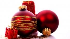 Red Christmas Balls Photo Free