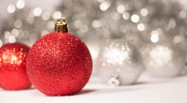 Red Christmas Balls Wallpaper Download