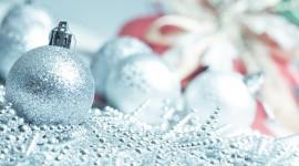 Silver Christmas Balls Desktop Wallpaper