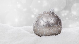 Silver Christmas Balls Photo#1