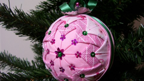 Unusual Christmas Balls wallpapers high quality