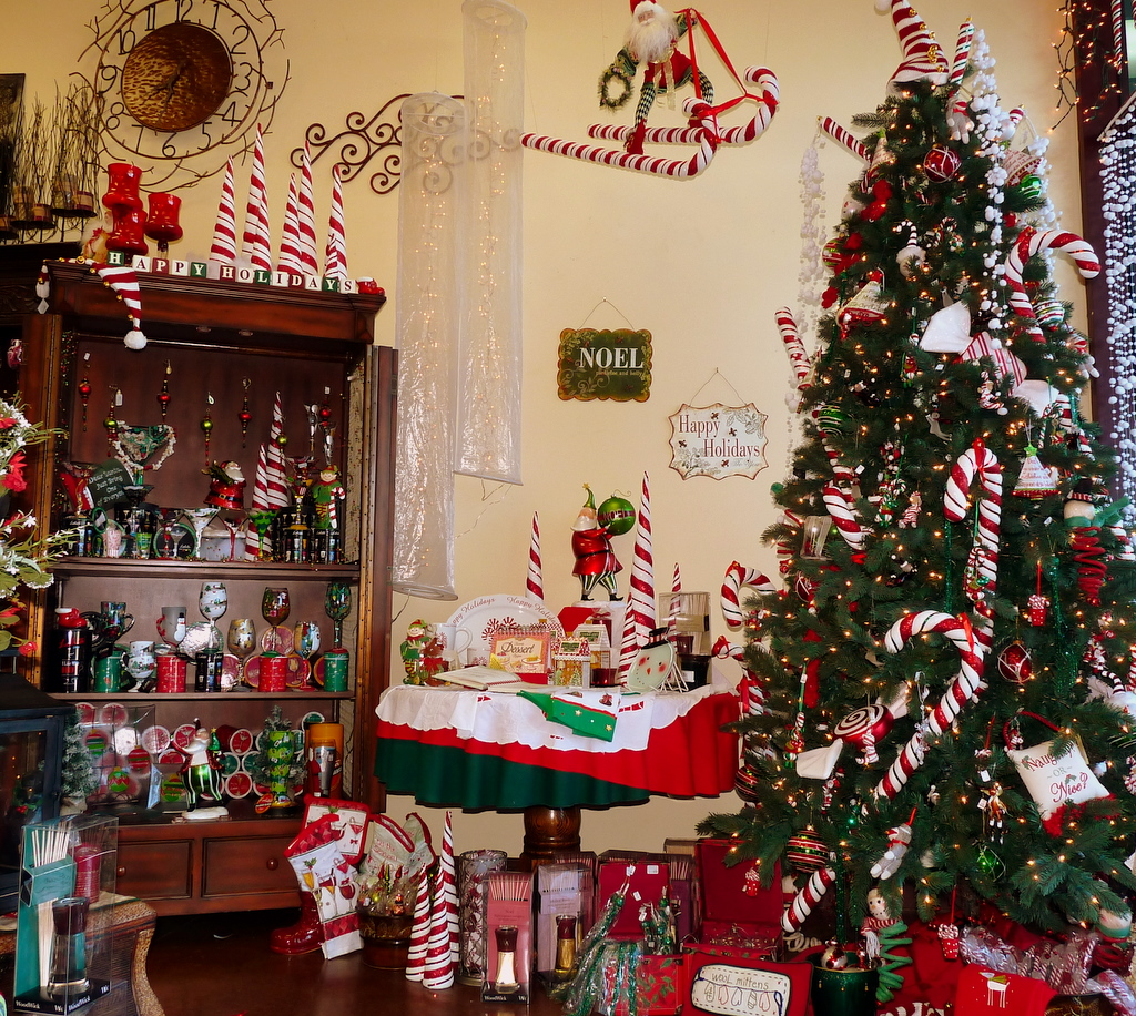 Decorated Homes: Unusual Christmas Decorations Wallpapers High Quality