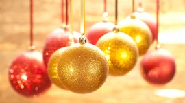 Yellow Christmas Balls Desktop Wallpaper