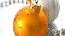 Yellow Christmas Balls Wallpaper