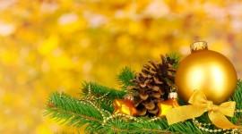 Yellow Christmas Balls Wallpaper Full HD