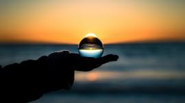 4K Glass Ball Photo Download