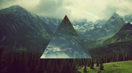 4K Triangle Photo