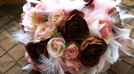 Bouquet Feather Wallpaper