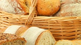 4K Basket With Bread Wallpaper For Mobile