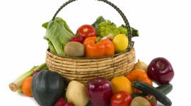 4K Basket With Vegetables Photo Download
