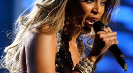 Beyonce On Stage Best Wallpaper