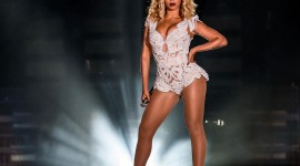 Beyonce On Stage Wallpaper 1080p