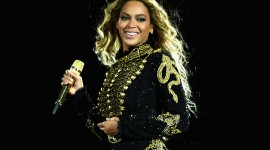 Beyonce On Stage Wallpaper Full HD