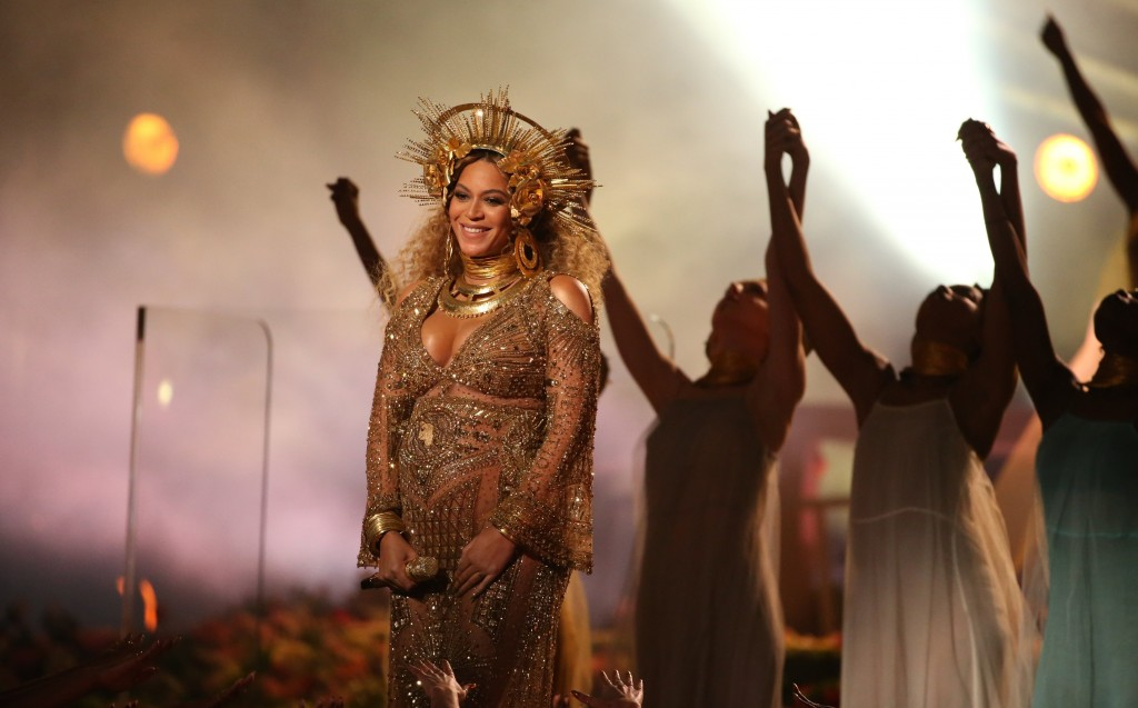 Beyonce On Stage wallpapers HD