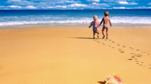 Children By The Seashore wallpapers high quality