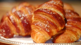 Croissant Wallpaper 1080p