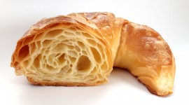 Croissant Wallpaper HD