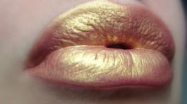 Golden Lips Desktop Wallpaper HD