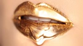 Golden Lips Wallpaper HQ