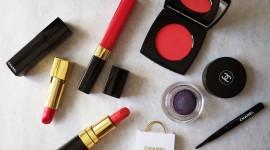 Spring Make-Up Desktop Wallpaper