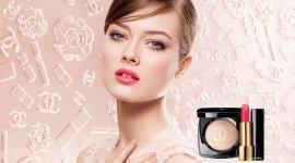 Spring Make-Up Desktop Wallpaper HD