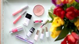 Spring Make-Up Wallpaper