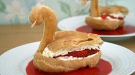 Swan Cake Photo