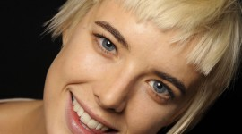 Agyness Deyn Wallpaper For IPhone Download
