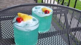 Cocktail Blue Hawaii Wallpaper