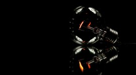 4K Light Bulb Desktop Wallpaper For PC