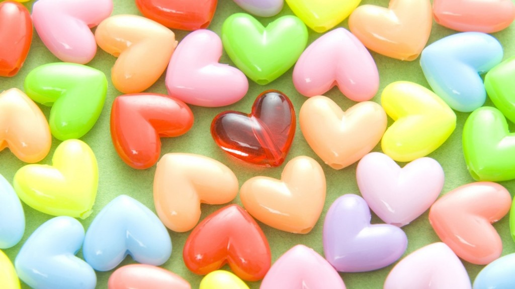 Colorful Hearts Wallpapers HD