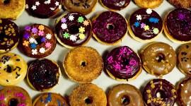 4K Doughnuts Wallpaper Background