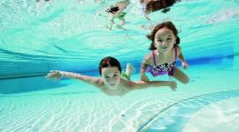 Children In The Pool Best Wallpaper