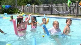 Children In The Pool Wallpaper