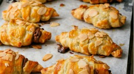 Croissants With Chocolate Wallpaper For IPhone 7