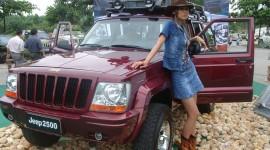 Girls Driving Jeeps Wallpaper Full HD