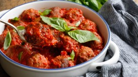Meatballs In Tomato Sauce Wallpaper HD