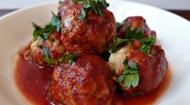 Meatballs In Tomato Sauce Wallpaper HQ