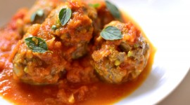 Meatballs In Tomato Sauce Wallpaper High Definition