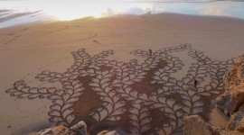 Drawing Pictures In The Sand Photo#2