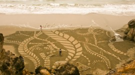 Drawing Pictures In The Sand Wallpaper Full HD
