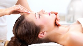 Face Massage Wallpaper Background