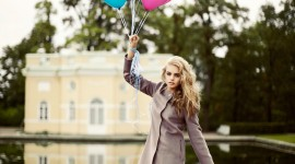 Girl With Balloon Wallpaper For Android
