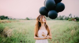 Girl With Balloon Wallpaper For PC
