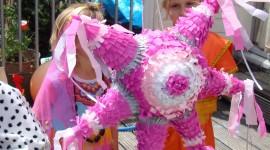Piñata Wallpaper Download Free