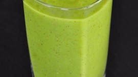 Kiwi And Pineapple Smoothie For IPhone#1
